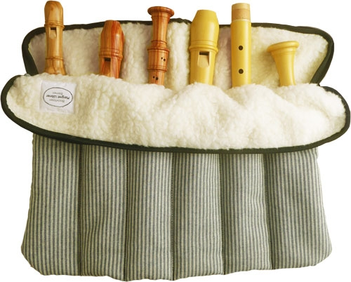 Flötenrolle mit sechs Fächern, Baumwolle, lindgrüne Streifen<br><br><b>Jubiläums-Edition!</b>